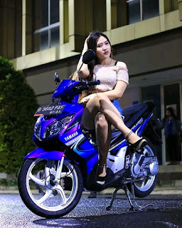 Modifikasi Nouvo Z Keren bersama Model Hot - 09