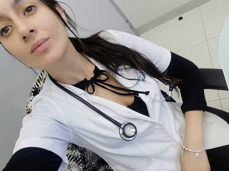 Médicos atienden por Twitter para que no colapsen servicios de urgencia