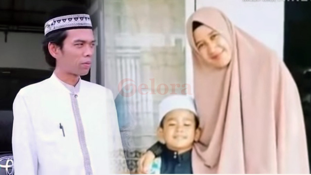 Resmi Bercerai, Intip Perjalanan Cinta UAS dengan Sang Istri