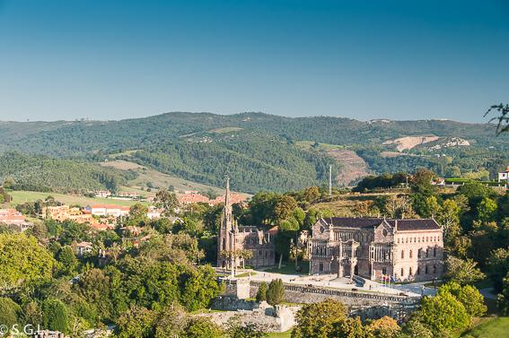 Un dia en Comillas, joya de Cantabria. Palacio Sobrellano y la Capilla Panteón