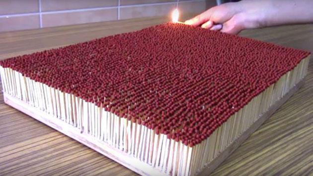 Apa yang Akan Terlihat Jika 6000 Korek Api di Bakar Bersamaan? Penasaran? Tonton Video ini