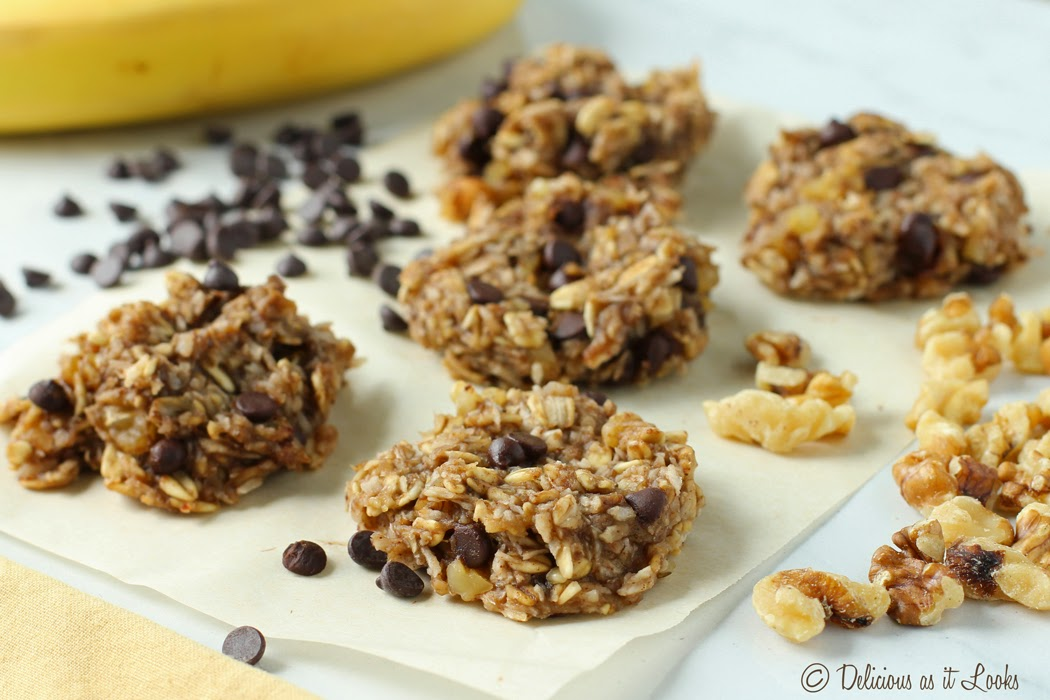 No Added Sugar Banana Oat Cookies {Gluten-Free, Vegan, FODMAP Friendly}  /  Delicious as it Looks