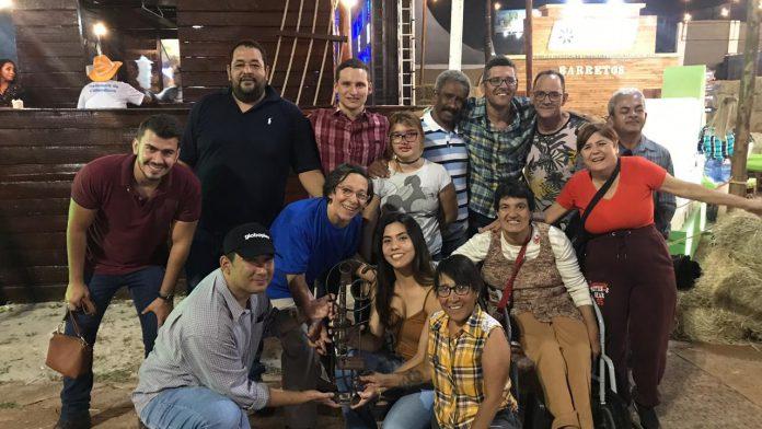 Grupo 100 Fronteiras recebe prêmio de R$ 5 mil por vencer concurso em Barretos