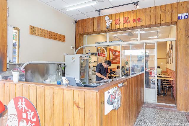 MG 9890 - 熱血採訪︱林記飯館,古早南部口味平價小吃,滷肉飯肥肉瘦肉任你挑!還有熟客必點蜜汁小魚乾花生
