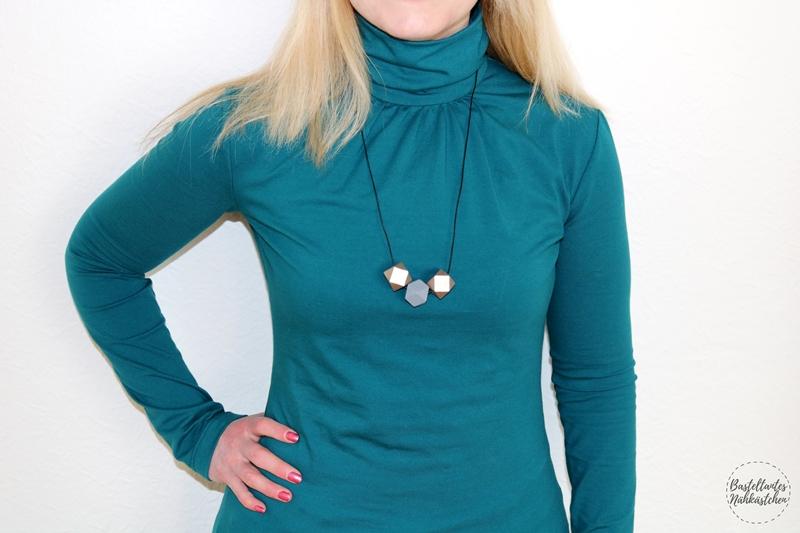 Details - Rollkragen Shirt Sore von Schnittquelle aus Baumwolljersey Petrol mit nahtverdecktem Reißverschluss