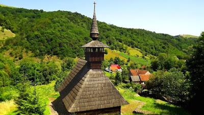 "Biserica ""Sfinții Trei Ierarhi"", Troas"