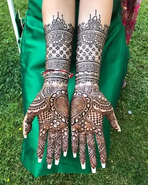 heart-pattern-henna-for-front-hand
