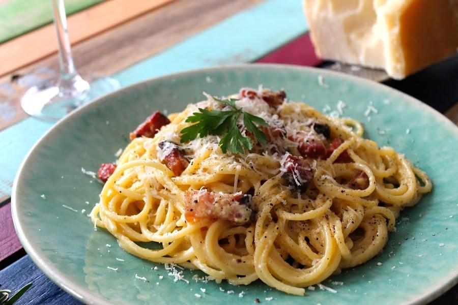 Espaguetis a la carbonara sin lactosa auténtica receta italiana