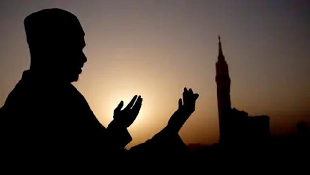Doa Qunut Subuh: Arab, Latin dan Artinya