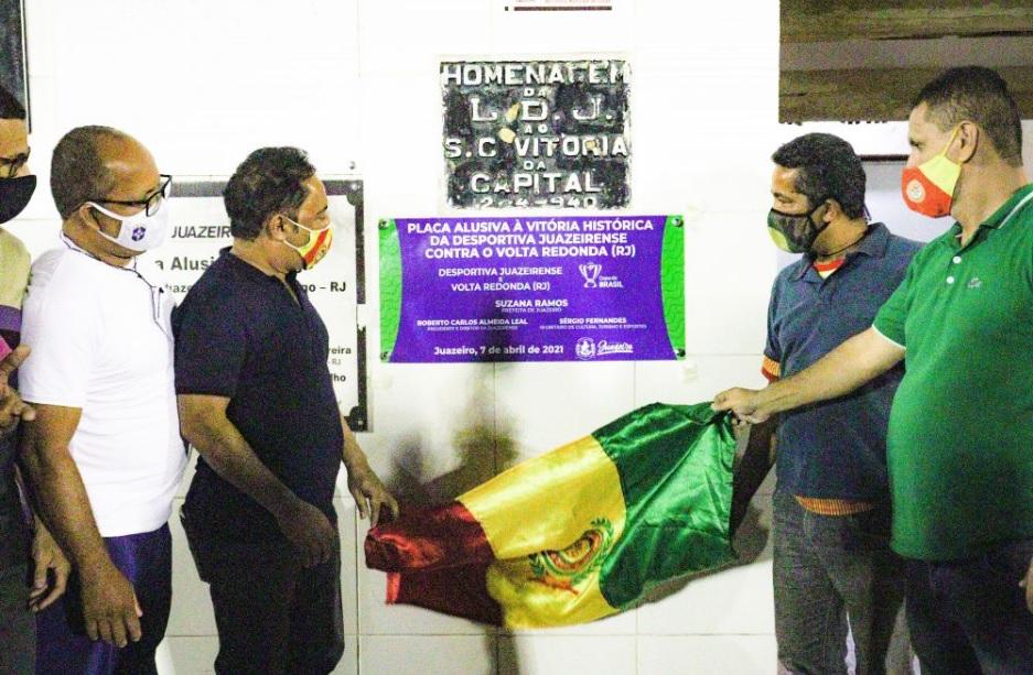 Canção de Fogo é homenageado pela Prefeitura de Juazeiro (BA) por vitória histórica na Copa do Brasil - Portal Spy