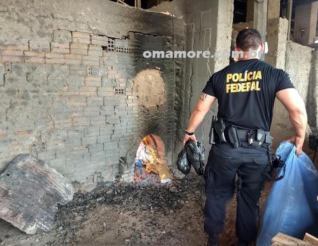 PF incinera cerca de 40 kg de drogas e mais 10 kg de folha de coca