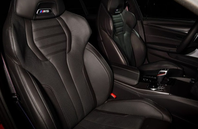 2021-bmw-m5-driver-and-front-passenger-seat