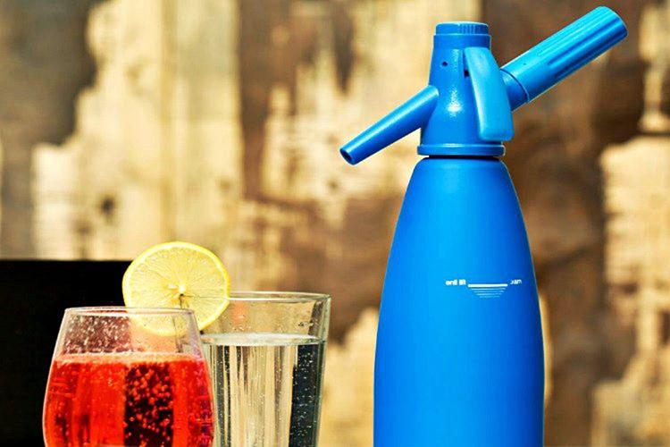 Soda sifonu evde benzeri gazlı içecekler hazırlamak isteyenlerin kullanabileceği bir üründür.