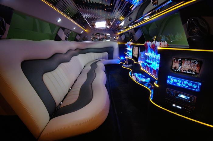 CAR REVIEW: Lamborghini Limousine