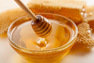 benefits of honey for hair.