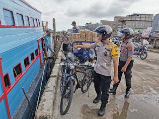 Pastikan Kamtibmas Tanjab Barat, Kapolres Terjun Langsung Patroli