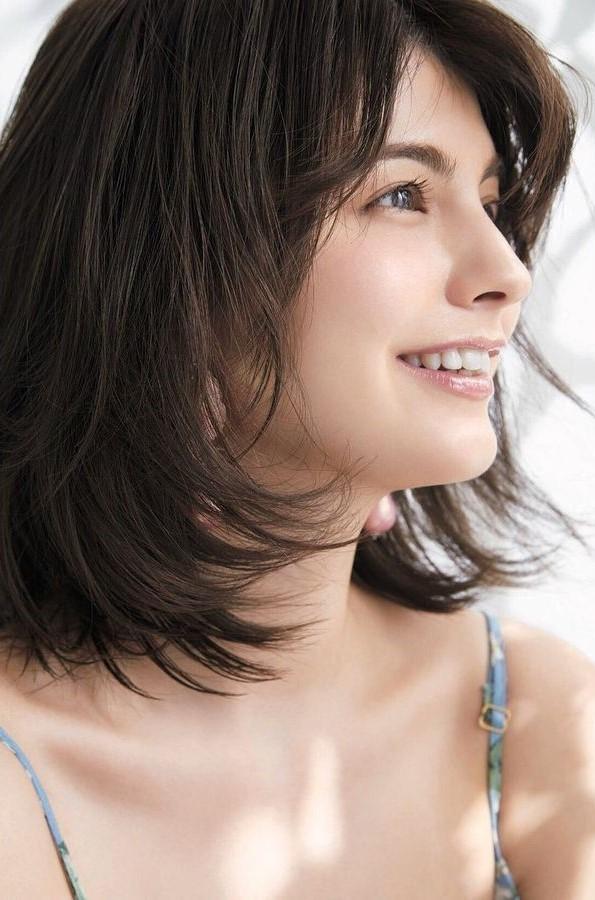Lebih Mengenal Model Cantik Margaret Natsuki