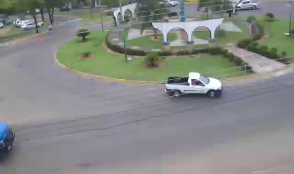 Assista câmeras ao vivo da avenida Heitor Furtado