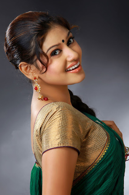 Tamil Heroine Oviya Photos