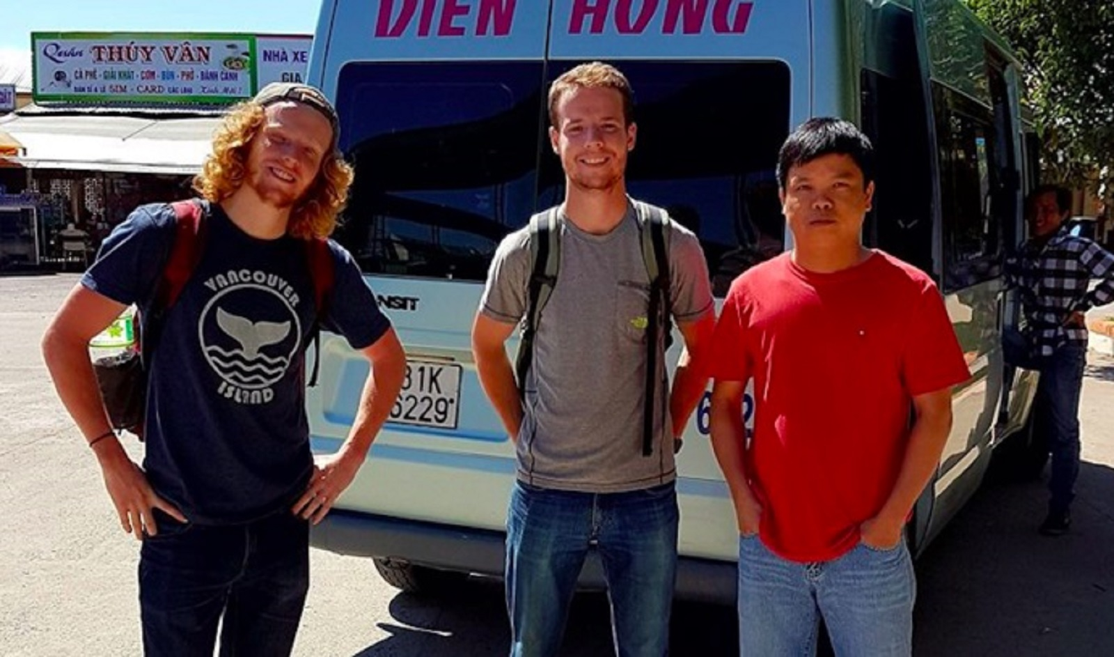 Gia Lai: Giám đốc Sở giúp khách Tây đón xe đi Hội An
