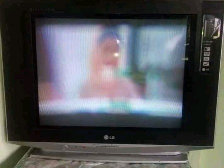 Gambar TV Pertama Kali Dinyalakan Buram
