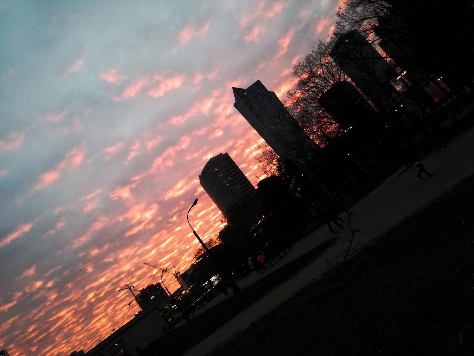 niebo w Warszawie