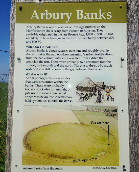 The sign at Arbury Banks Hill Fort