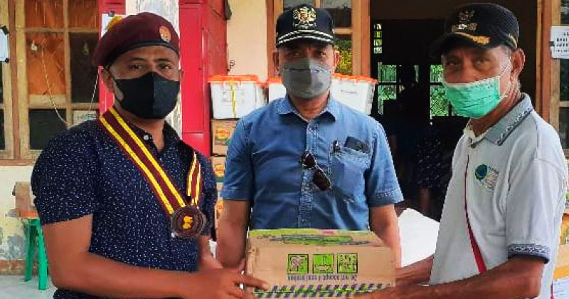 Komda Regio Timor PMKRI Serahkan Bantuan Bagi Korban Banjir di Ngada