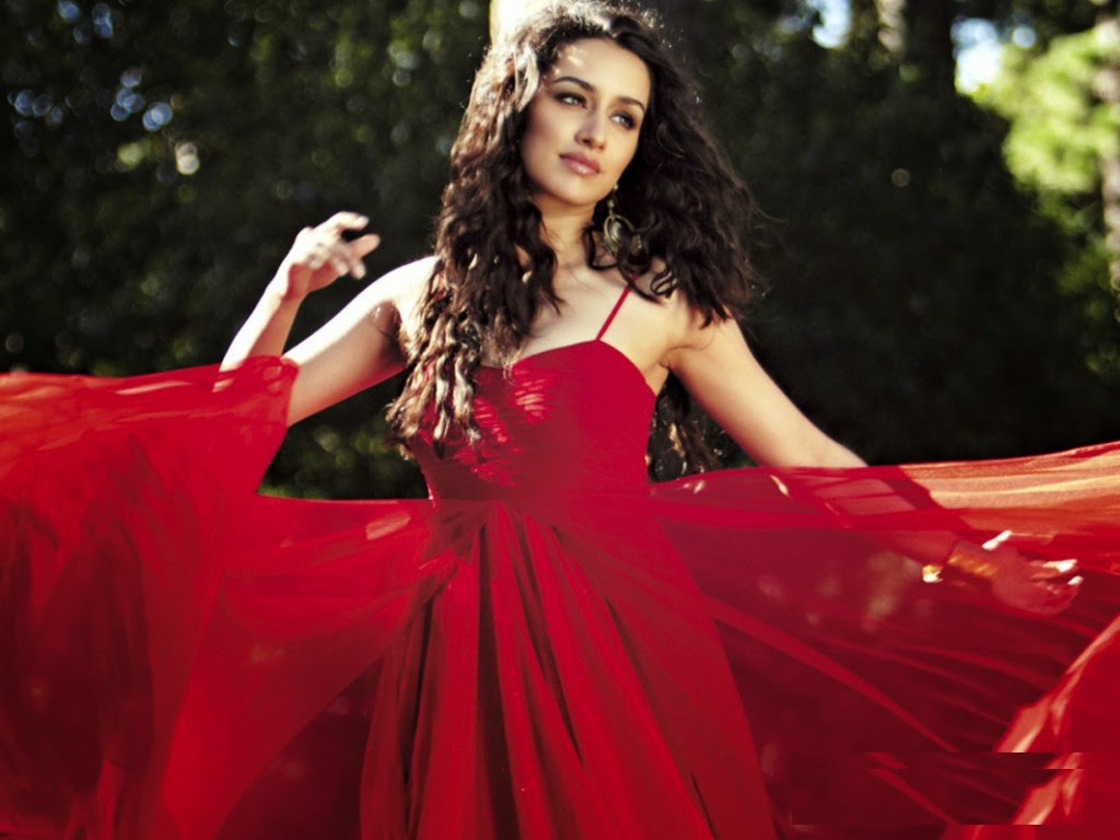 hot girls models: shraddha kapoor latest hot images gallery