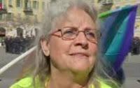 """Entretien de Denis Robert avec Geneviève Legay, 73 ans, gilet jaune et résistante """"jusqu'à sa mort""""."""