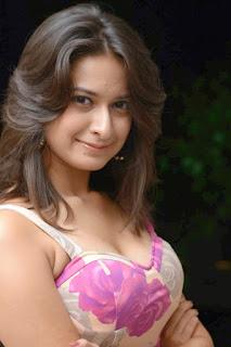 Mrudula Sathe Spicy Marathi Actress Pics Gallery