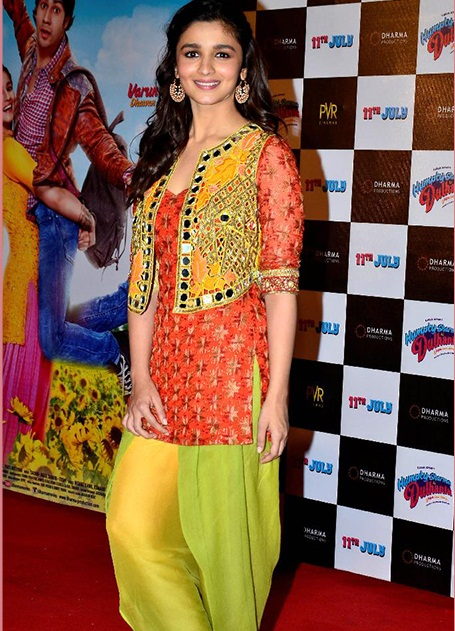 How To Wear 9 Dress Colours Of  Navratri In 2015