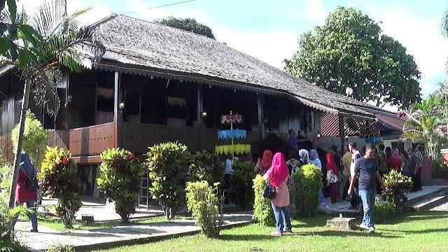 Rumah Adat belitung - Paket Wisata Belitung 3 Hari 2 Malam