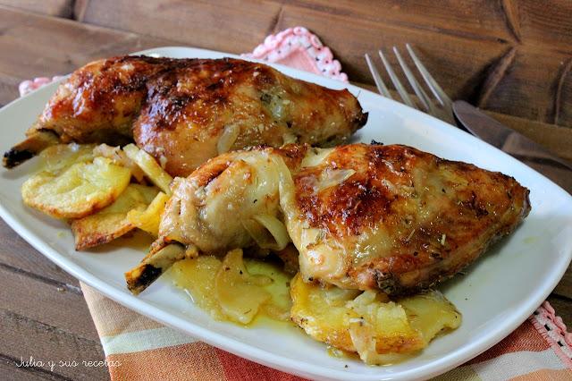 Pollo asado con hierbas provenzales y patatas. JUlia y sus recetas