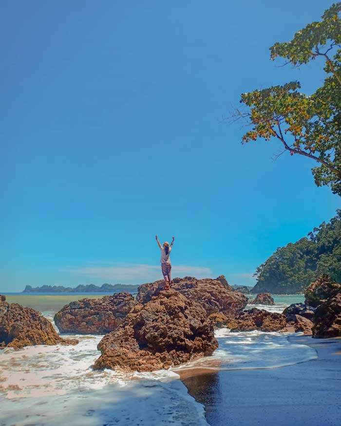 Harga Tiket Masuk dan Rute Pantai Kaliapus