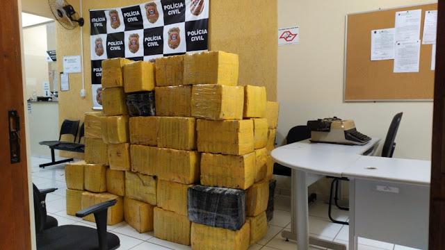 Fiscalização apreende quase 2 toneladas de maconha escondidas embaixo de carga de cebola