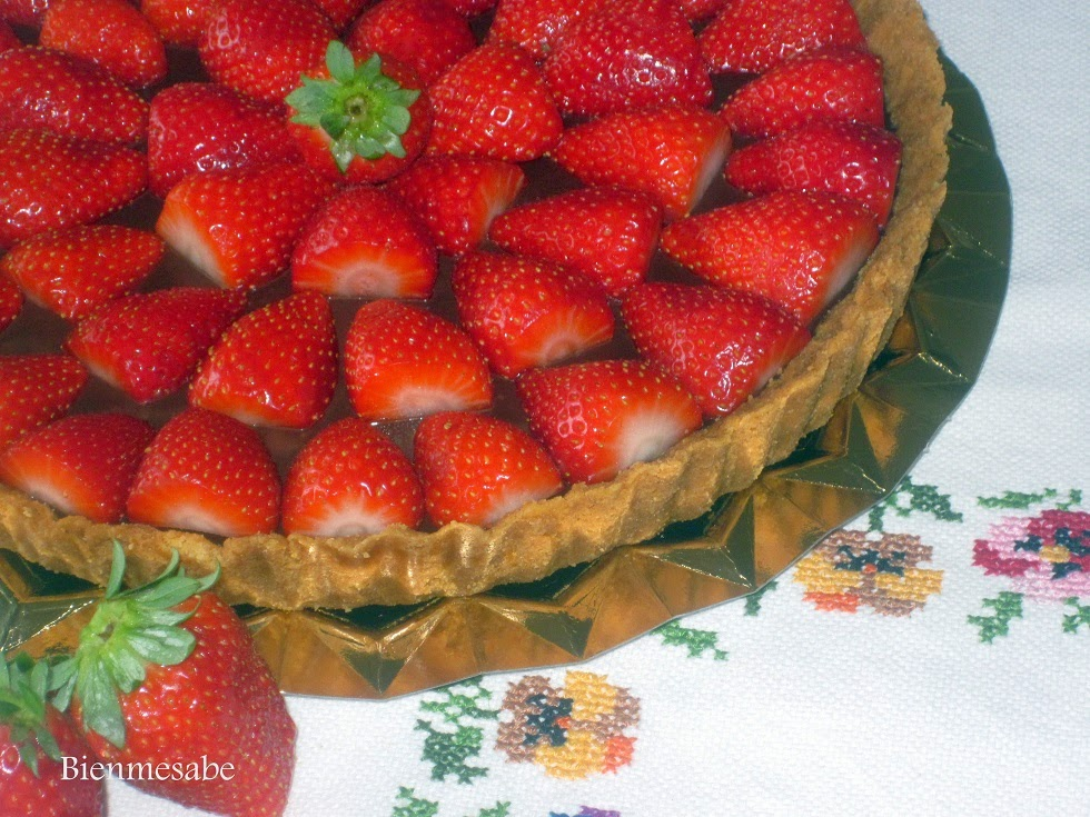tarta de chocolate y fresas facil