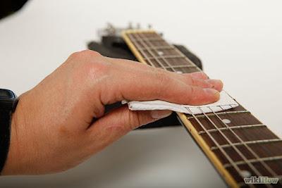 Cách bảo quản giữ cho đàn Guitar bền đẹp, âm hay