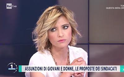 Monica Giandotti foto conduttrice Unomattina 30 aprile