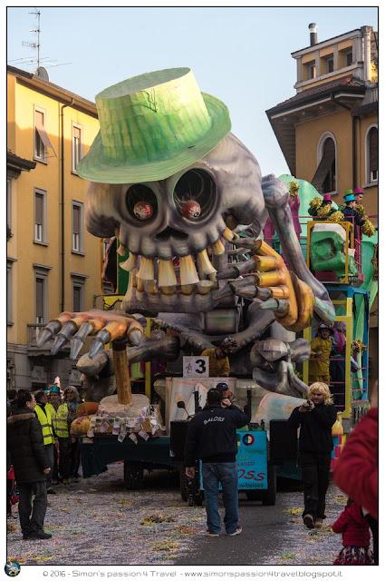 Carnevale cantù maschera carro 3