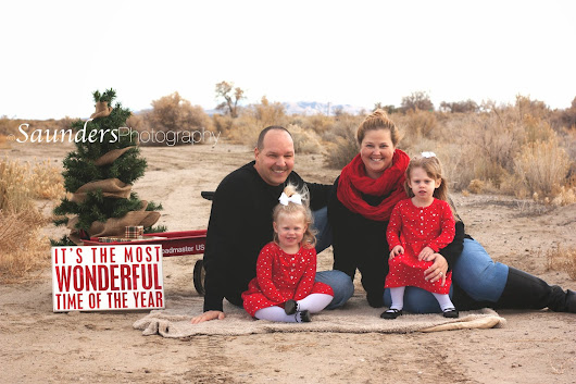 Saunders Photography- Family Christmas Photo Shoot