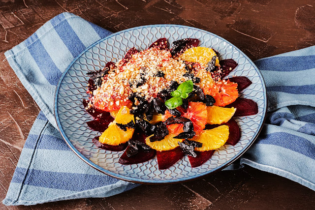 mediterranean chickpea kale salad