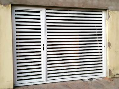 Portão em alumínio branco 48
