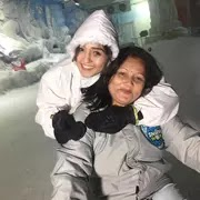 tanya sharma with her mother