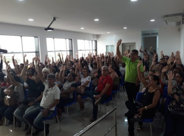 Carpina: Professores deflagram estado de greve