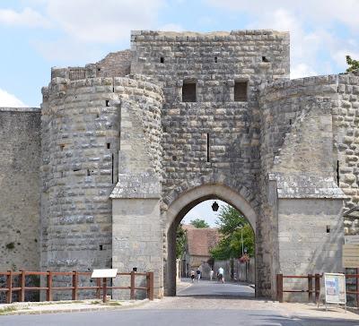 Porte médiévale de Provins