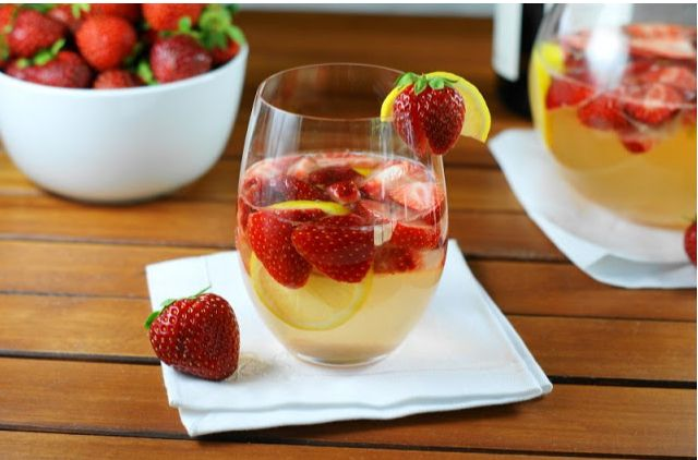 Fresh Strawberry Sangria Recipe