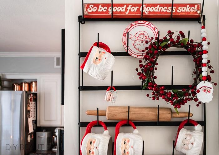 mug rack with Santa mugs