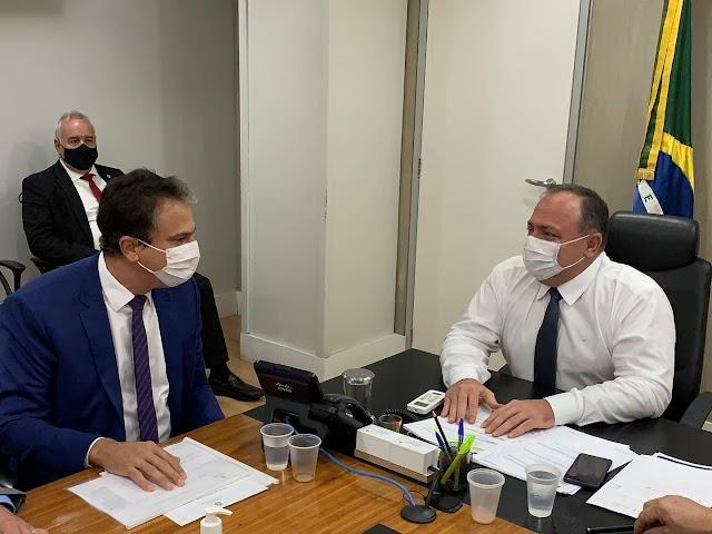 """""""O mais importante é que tenhamos a vacina o mais rápido"""", diz Camilo, após reunião com ministro da Saúde"""