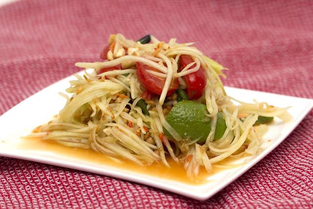 Salad Pepaya Muda Khas Thailand